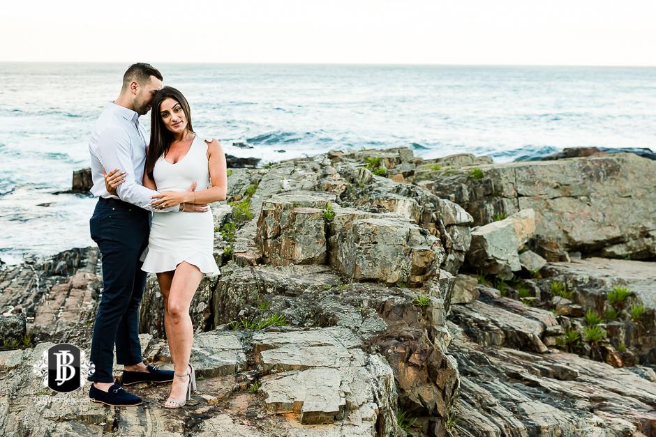neil-tayla-surprise-proposal-cliff-house-photographers-near-ogunquit-maine-11.jpg