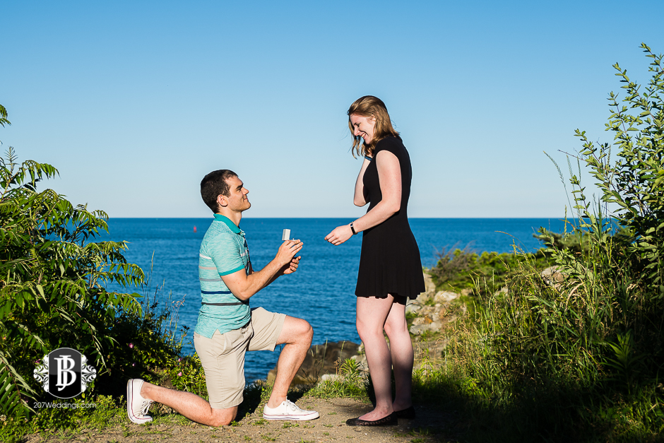proposal-photographers-portland-maine-dakota-katie-portland-head-light-1.jpg