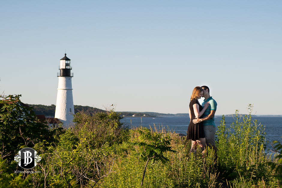 proposal-photographers-portland-maine-dakota-katie-portland-head-light-6.jpg