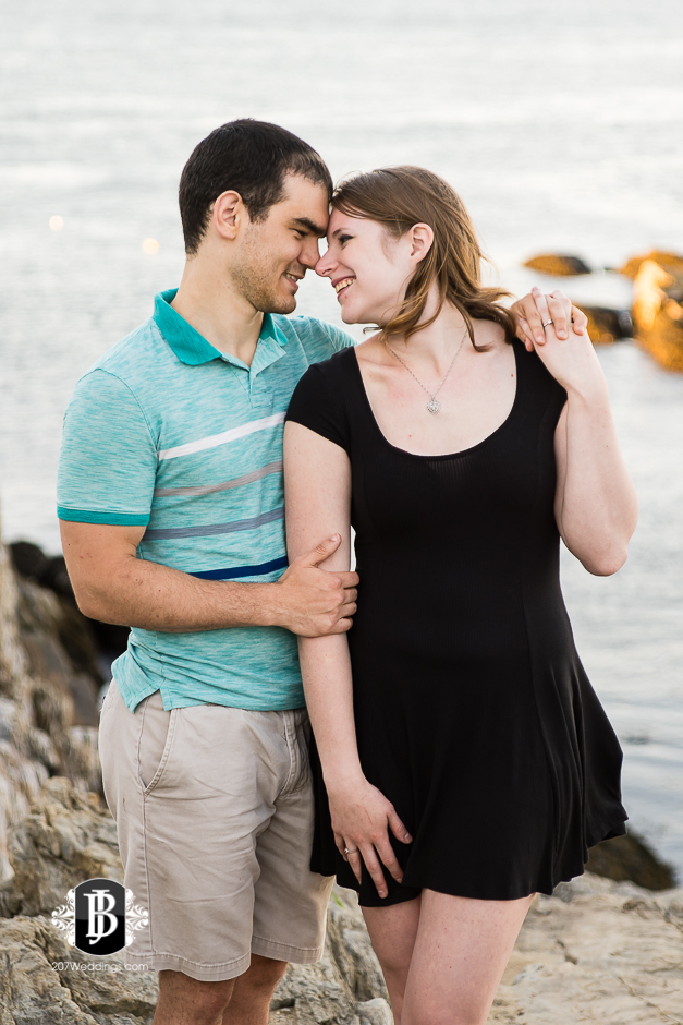 proposal-photographers-portland-maine-dakota-katie-portland-head-light-7.jpg