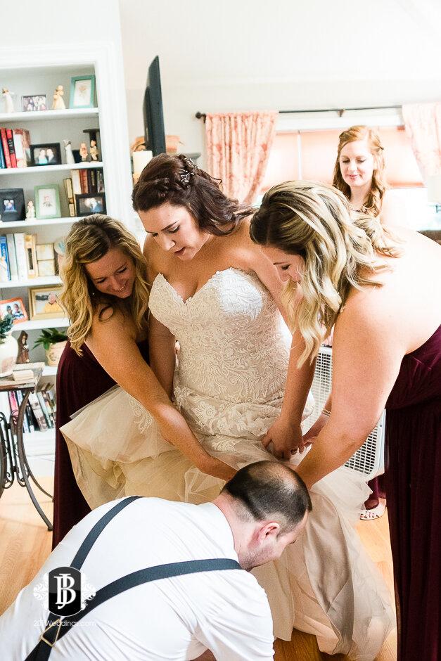 sarah-adam-wedding-woodlands-club-falmouth-maine-wedding-photographer-6.jpg