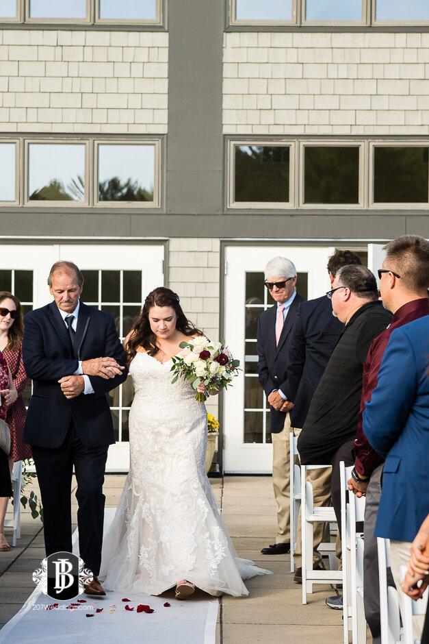 sarah-adam-wedding-woodlands-club-falmouth-maine-wedding-photographer-11.jpg