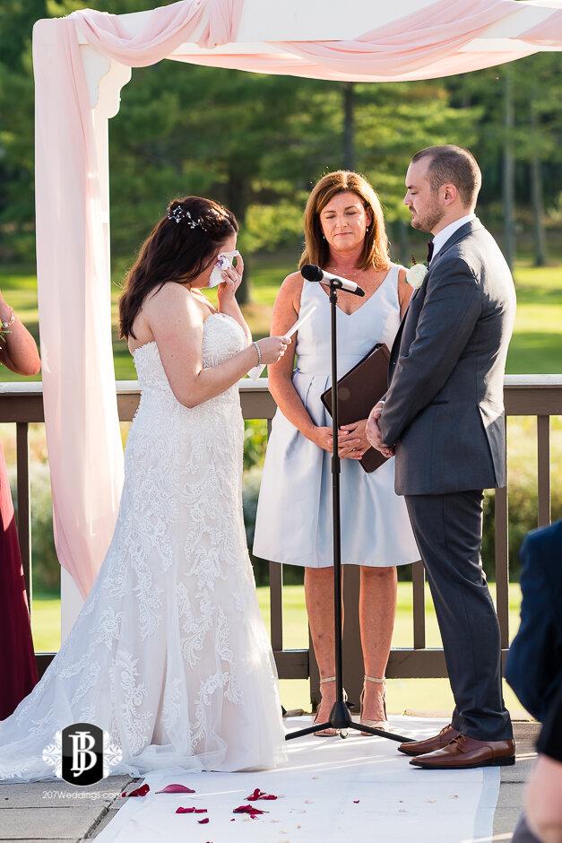 sarah-adam-wedding-woodlands-club-falmouth-maine-wedding-photographer-17.jpg