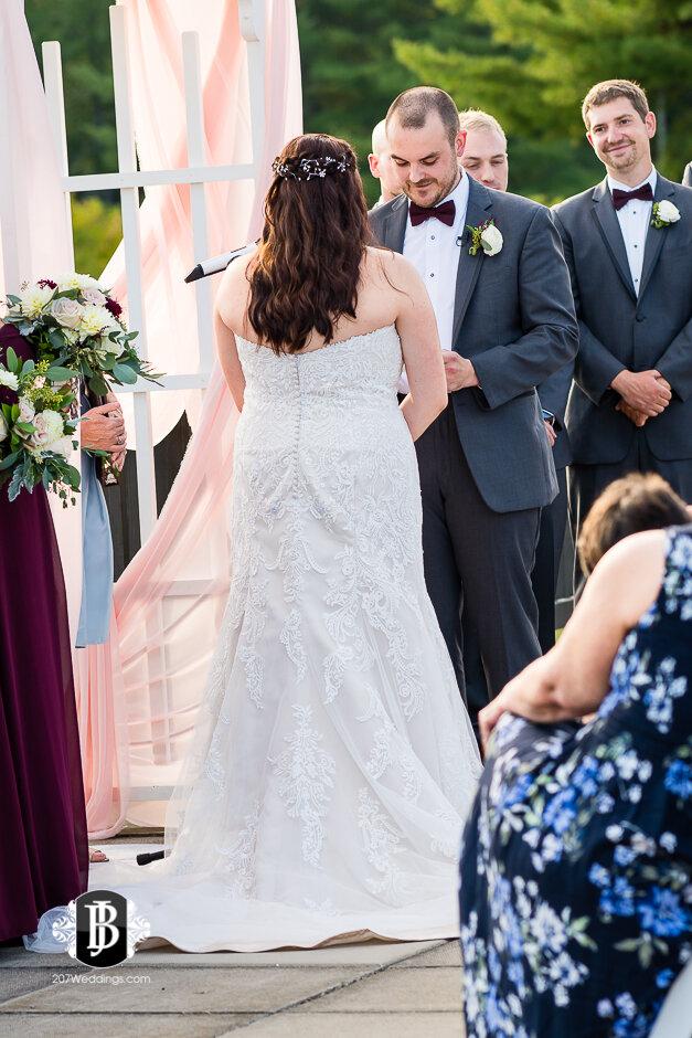 sarah-adam-wedding-woodlands-club-falmouth-maine-wedding-photographer-18.jpg