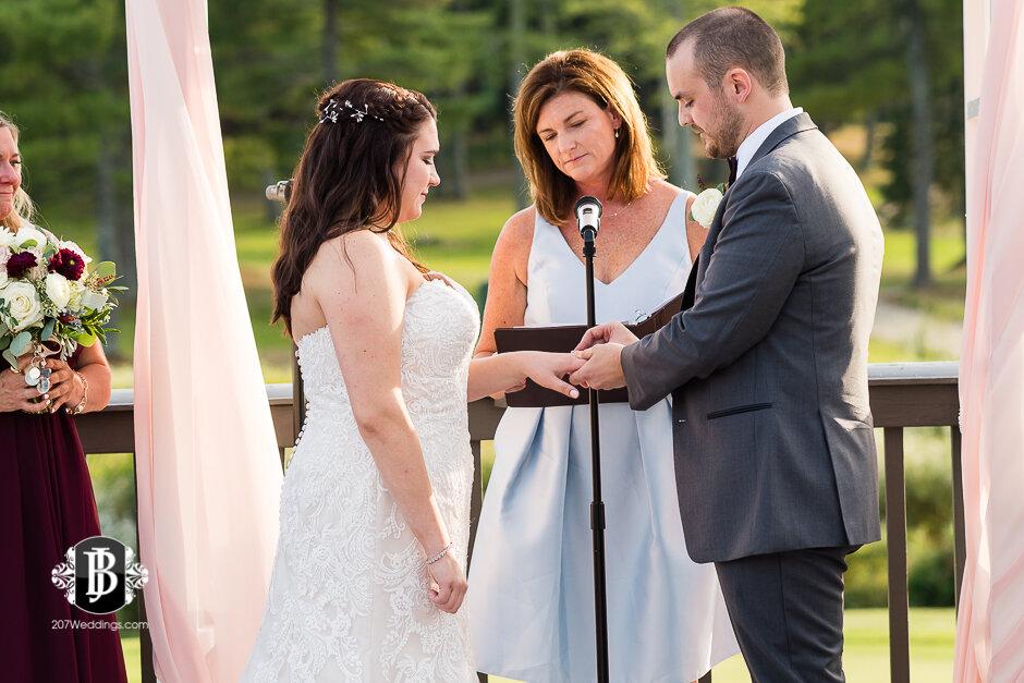 sarah-adam-wedding-woodlands-club-falmouth-maine-wedding-photographer-19.jpg