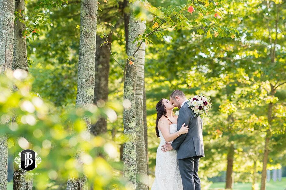 sarah-adam-wedding-woodlands-club-falmouth-maine-wedding-photographer-23.jpg