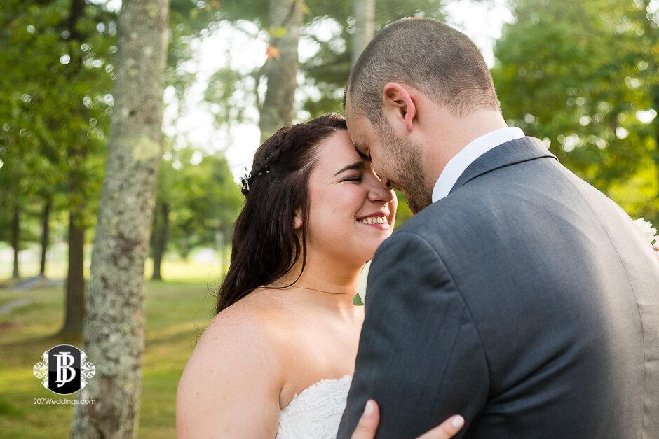 sarah-adam-wedding-woodlands-club-falmouth-maine-wedding-photographer-26.jpg