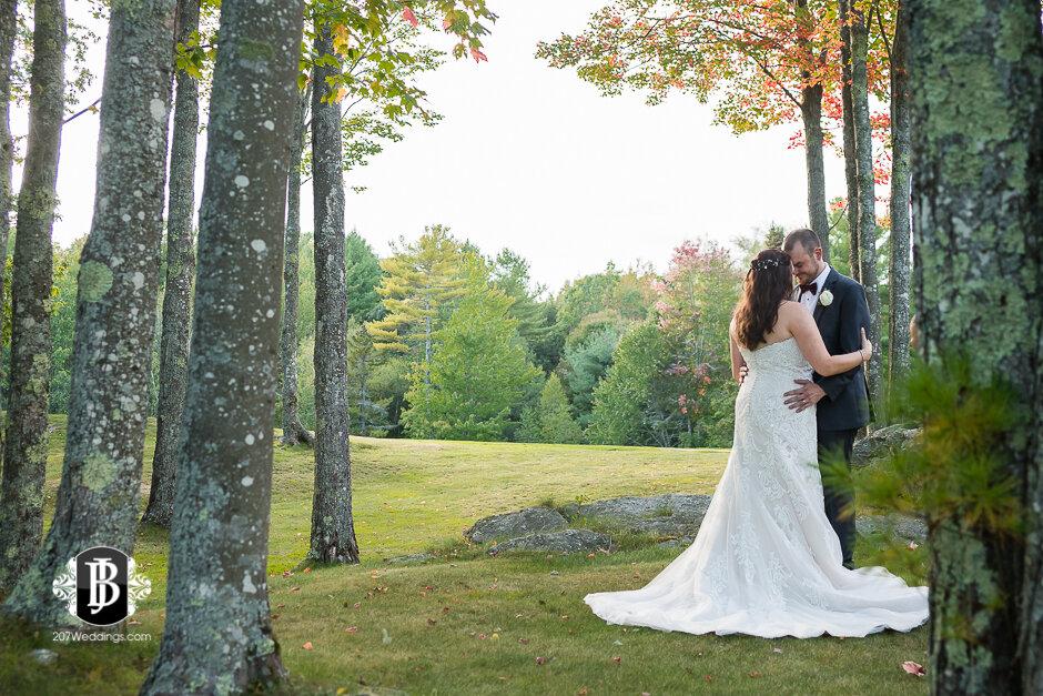 sarah-adam-wedding-woodlands-club-falmouth-maine-wedding-photographer-28.jpg