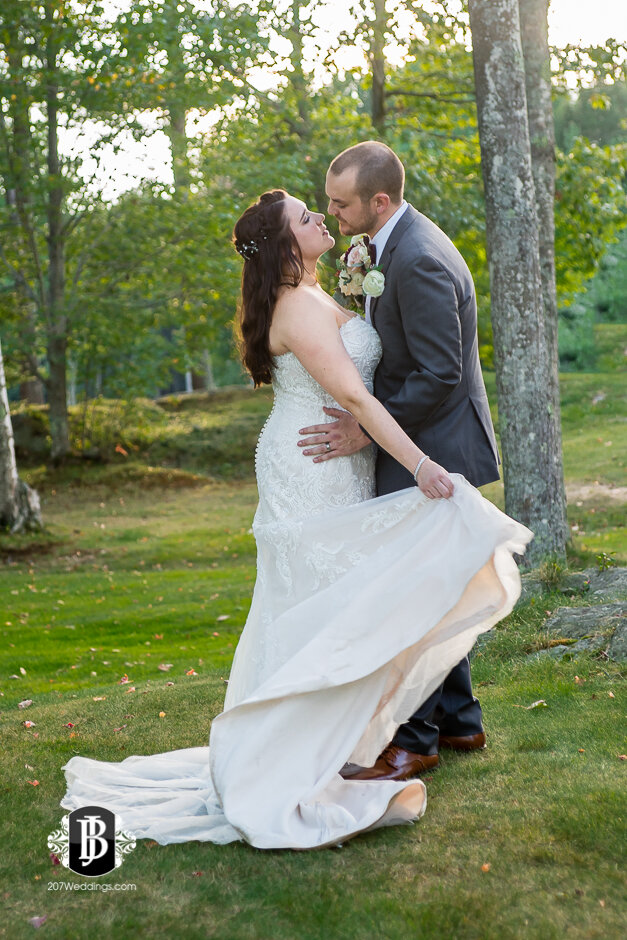 sarah-adam-wedding-woodlands-club-falmouth-maine-wedding-photographer-31.jpg