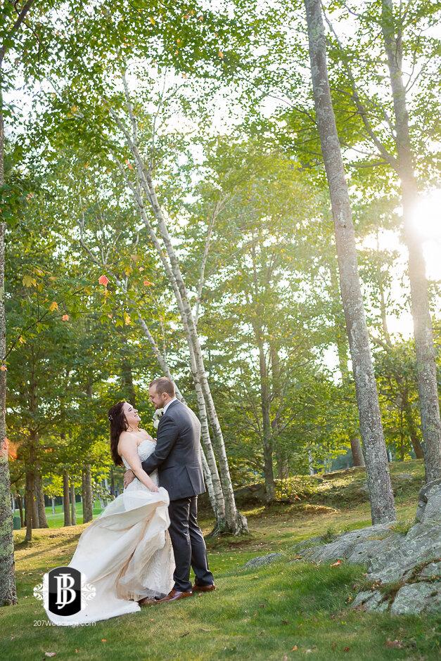 sarah-adam-wedding-woodlands-club-falmouth-maine-wedding-photographer-30.jpg