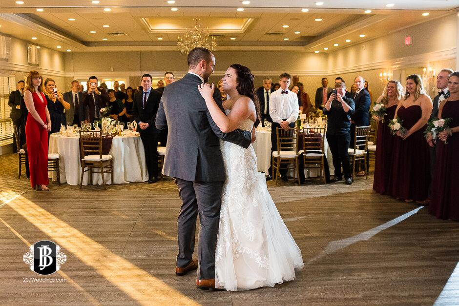 sarah-adam-wedding-woodlands-club-falmouth-maine-wedding-photographer-34.jpg