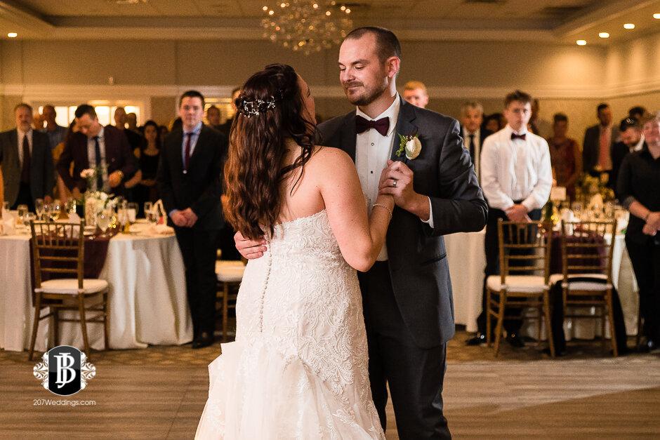 sarah-adam-wedding-woodlands-club-falmouth-maine-wedding-photographer-36.jpg