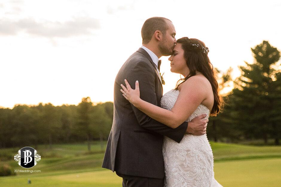 sarah-adam-wedding-woodlands-club-falmouth-maine-wedding-photographer-39.jpg