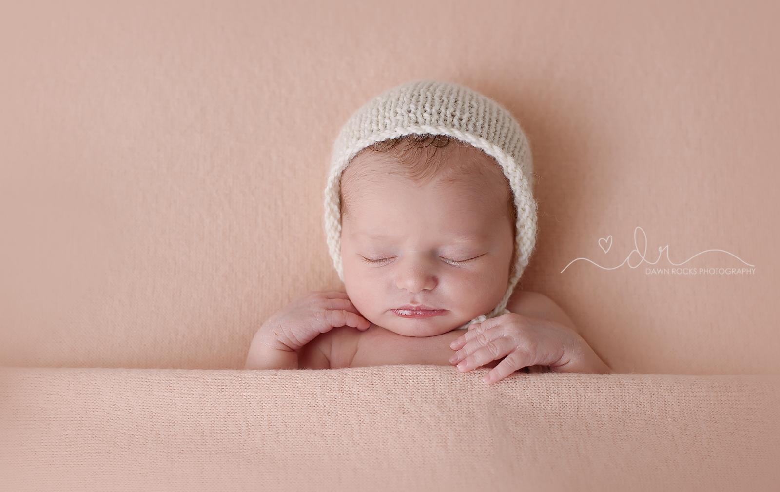 Tacoma newborn Photographer 1.png