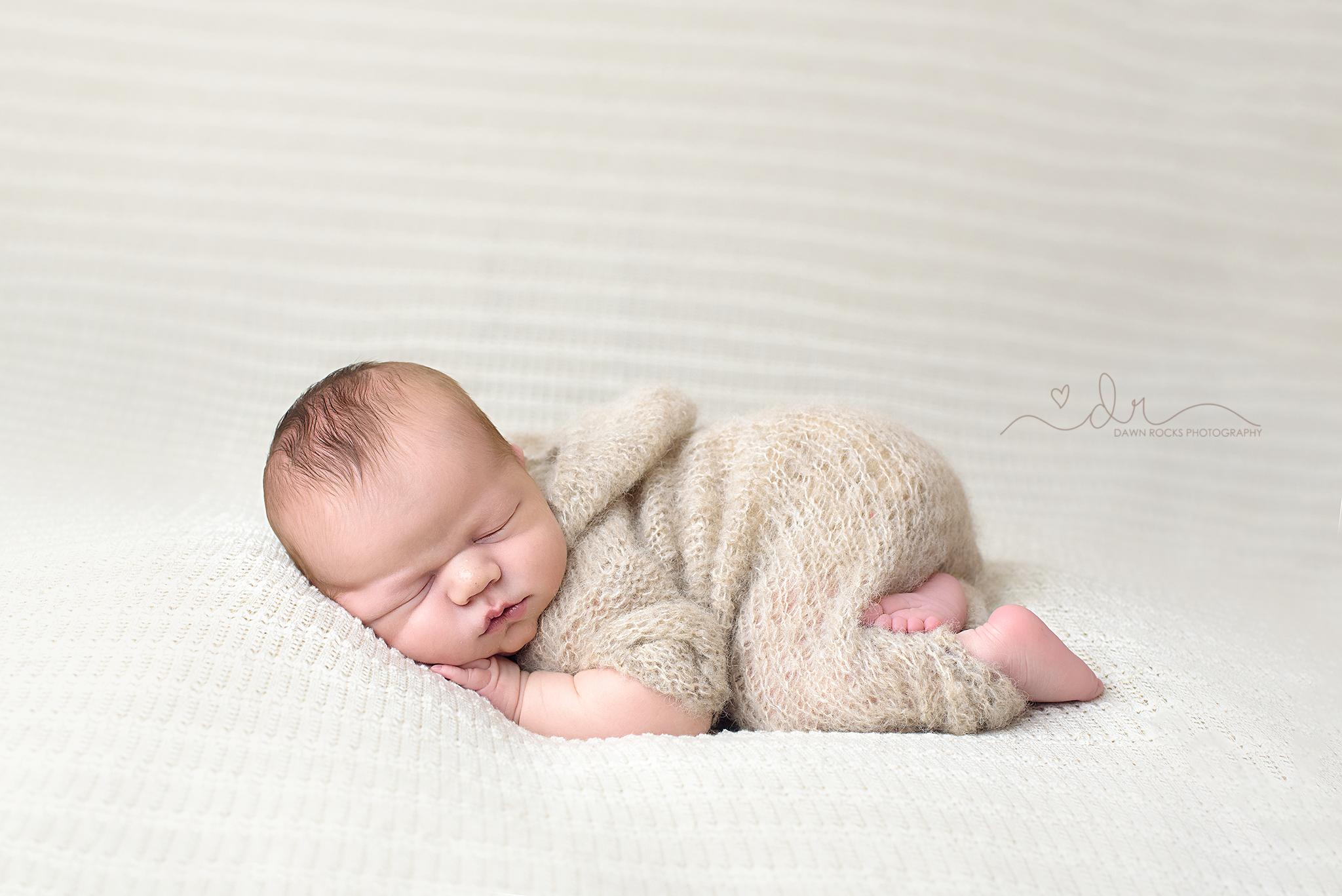 tacoma newborn photographer-6.png