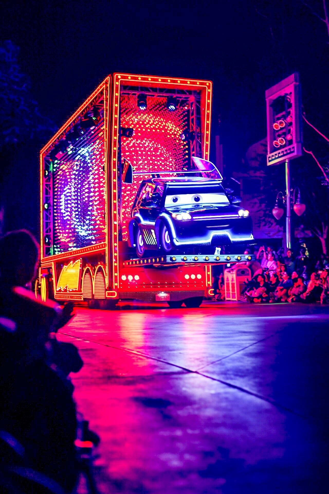 Paint The Night Parade Photo Credit: Audrey Montoya @AudreyMontoya