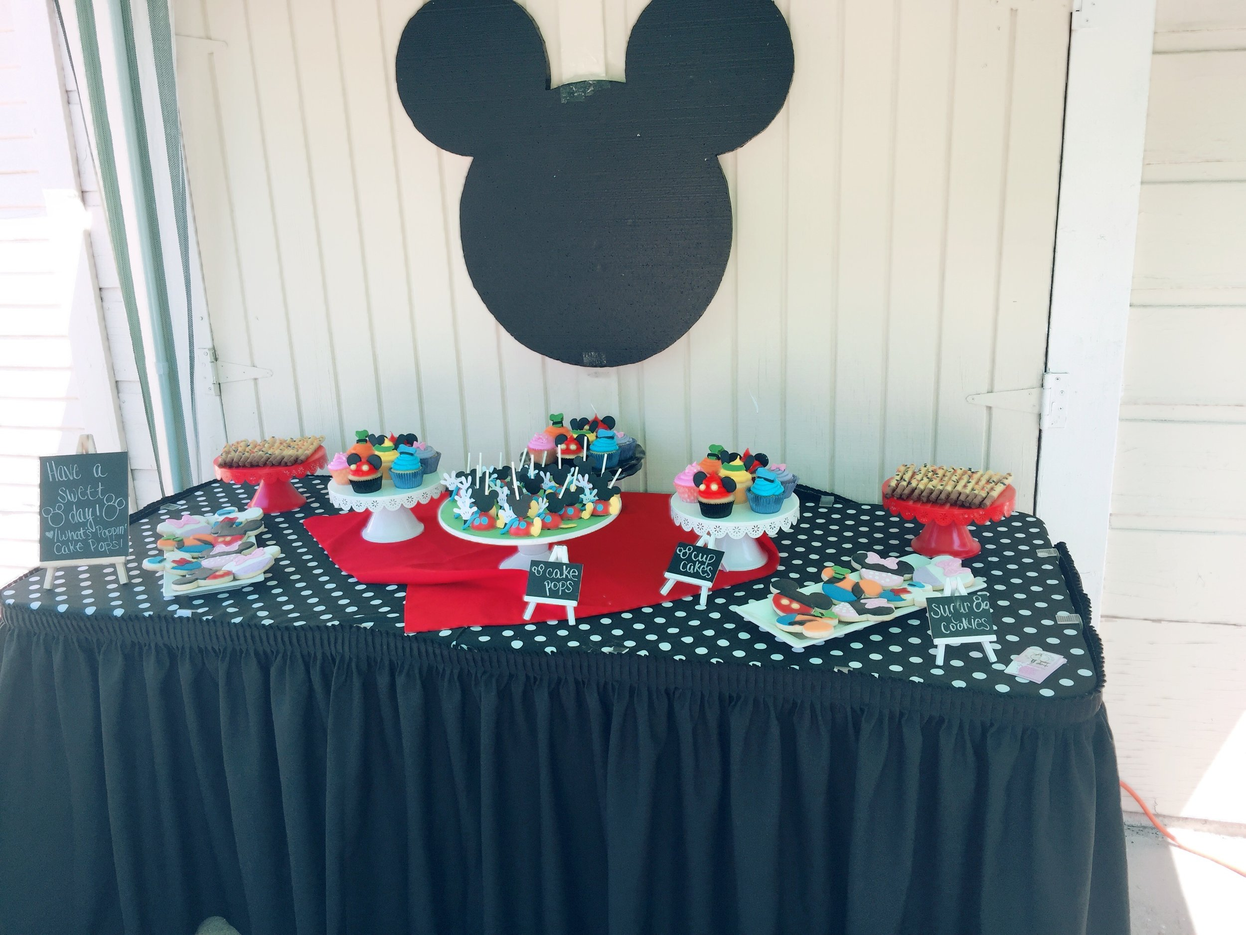 Sweets table provided by  @Whats_Poppin_Cake_Pops