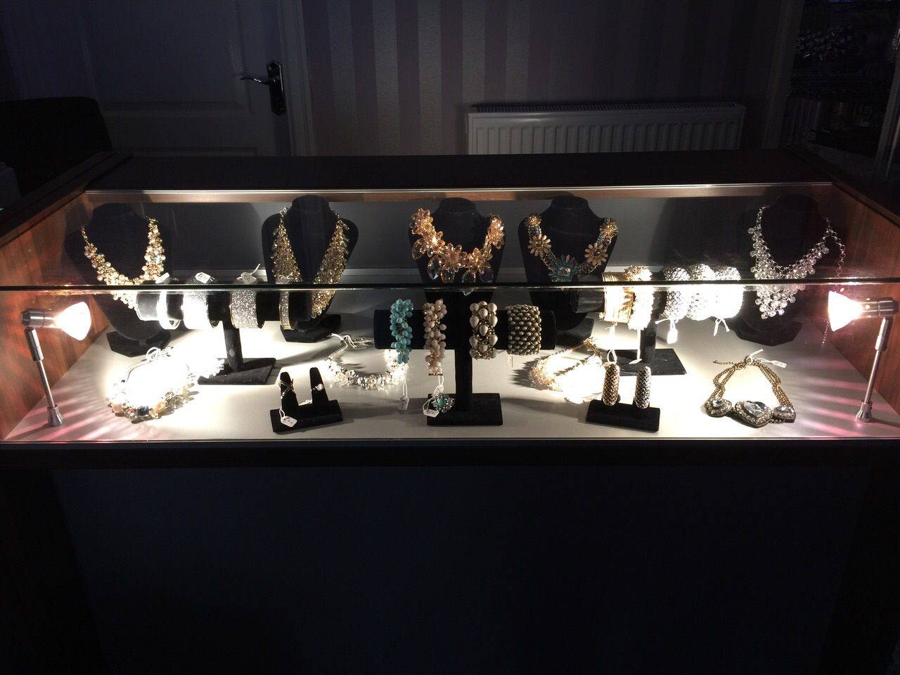 jewellery-display.jpg