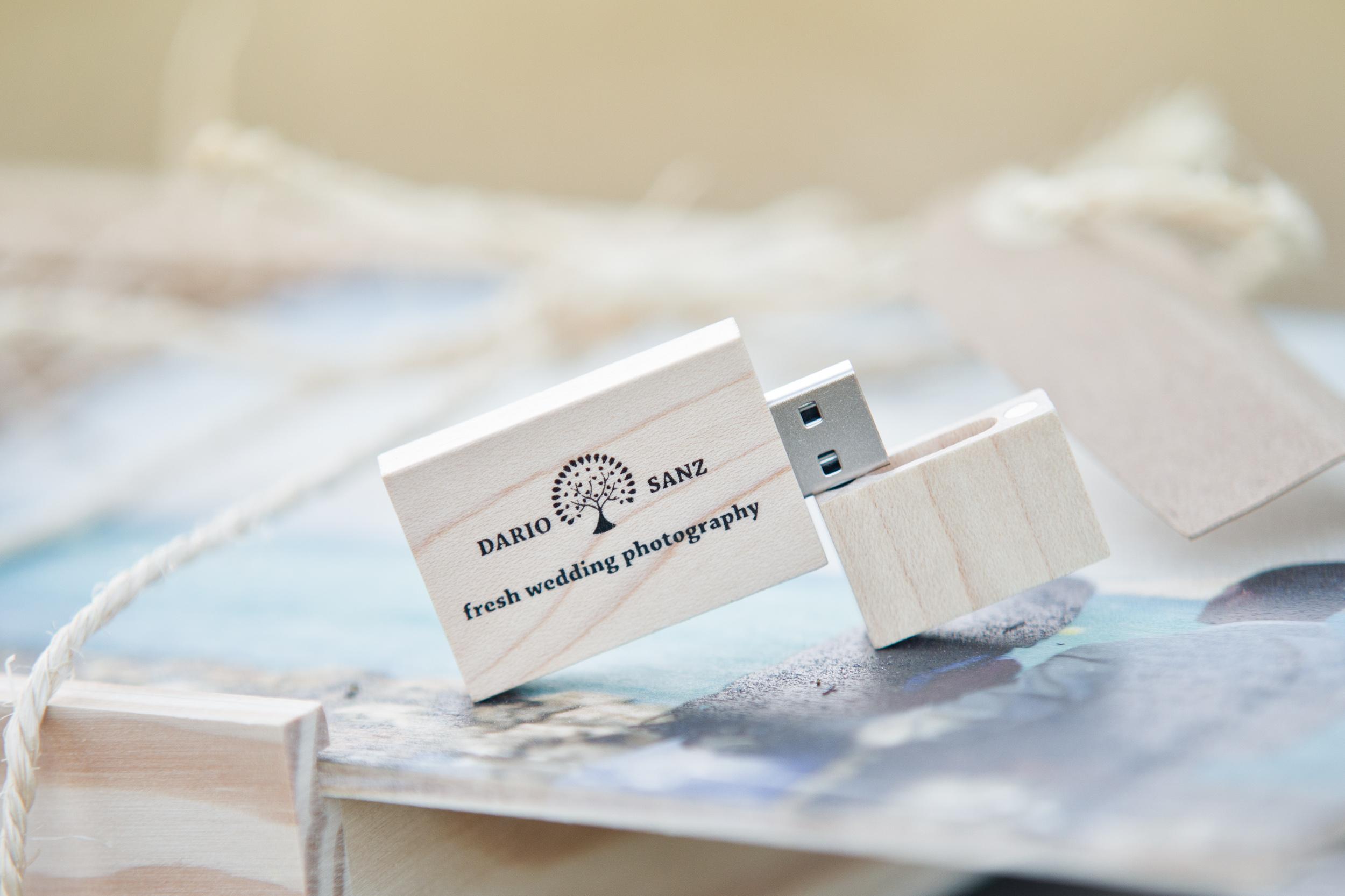Todas las fotografías del reportaje en archivos del alta resolución / All the pictures of the wedding in a USB with high resolution files.