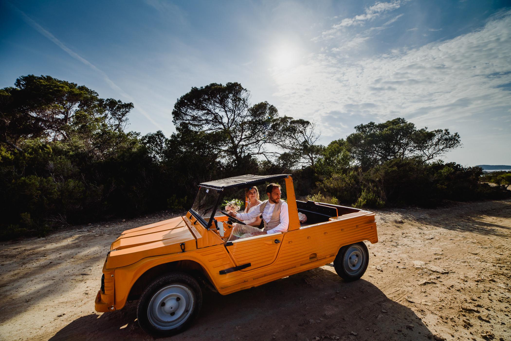 ibiza-mehari-wedding-car