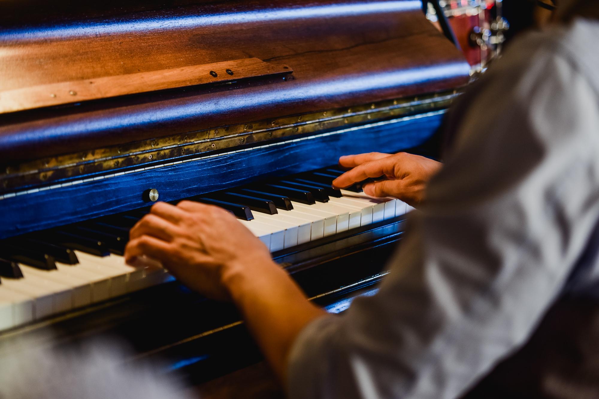 The piano bar guys