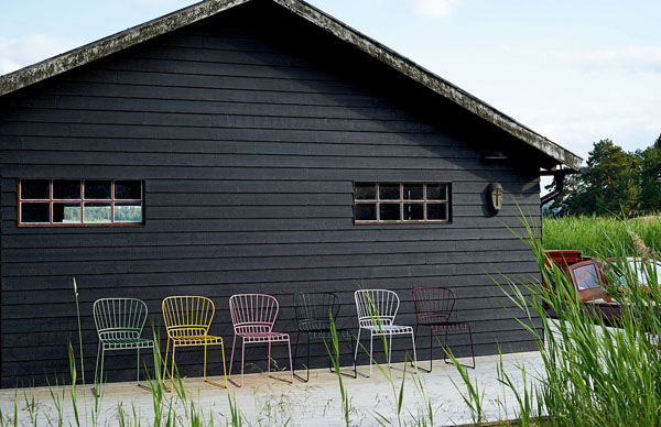 reso_chair_steel_light-green_yellow_pink_dark-green_white_wine-red_photo_johan_carlson.jpg