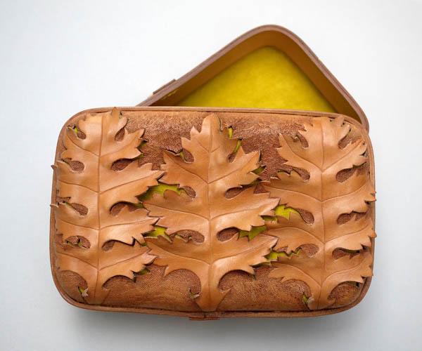 Moulded_leather_Acanthus_Clutch_Katherine_Pogson_Design_Hunter.jpg