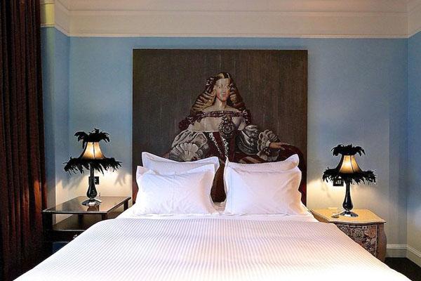 Alma_Hotel_Tel_Aviv_feather_lamps_on_Design_Hunter.jpg
