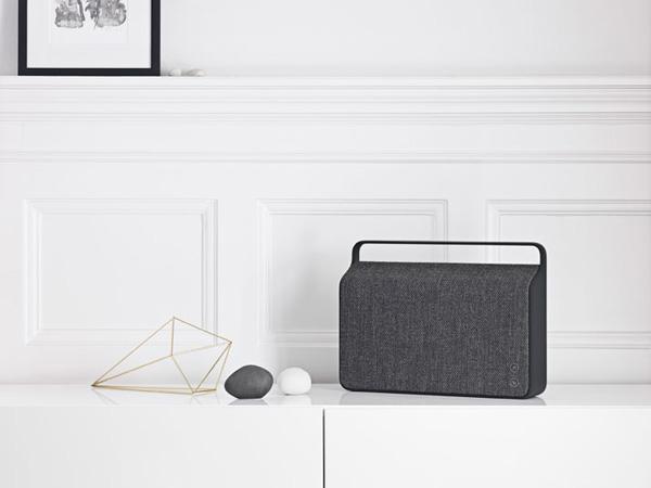 copenhagen_wireless_speaker_by_Vifa_Design_Hunter_3.jpg