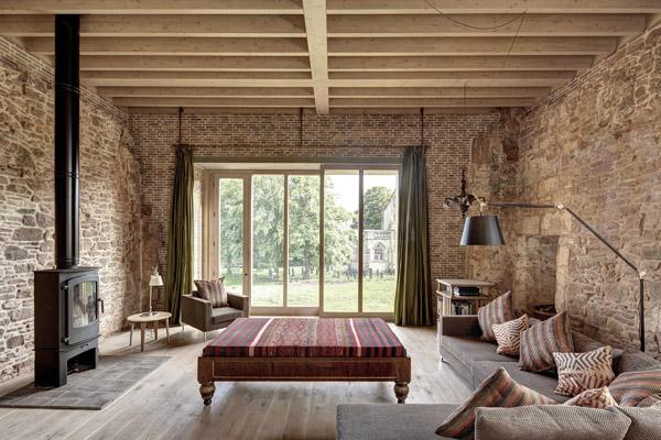 Astley-Castle-living-room-Design-Hunter_edited-1.jpg
