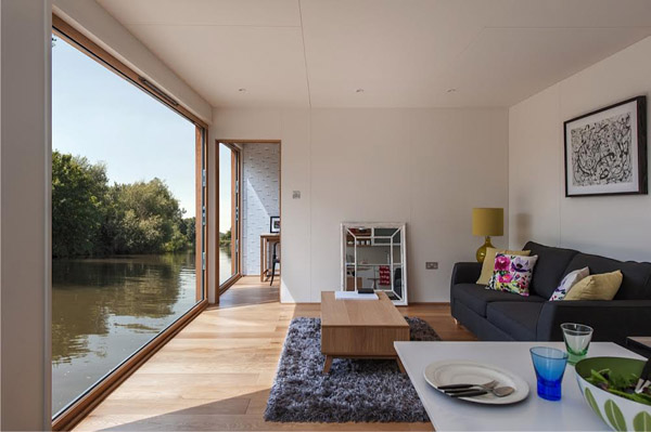 floating_home_riverside_view.jpg