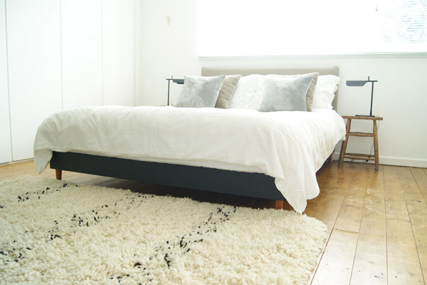Design_Hunter_bedroom_with_White_Company_bed_linen.jpg