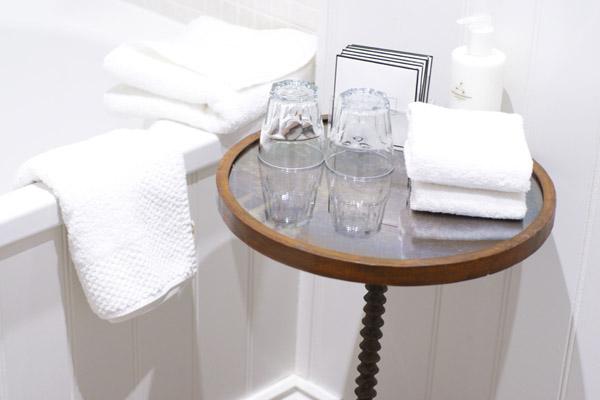 Bathroom-Lord-Crewe-Arms.jpg