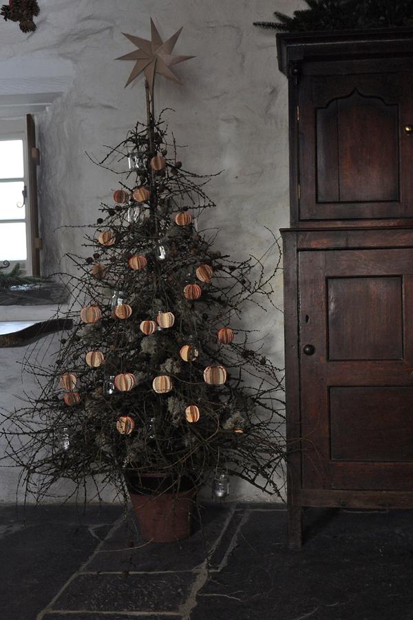 Ty_Unnos_Christmas_Ioan_Davies_on_Design_Hunter_9.jpg