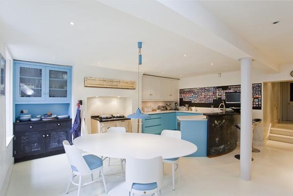 alwyne place kitchen.jpg