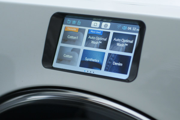 The WW9000 learns your washing habits and saves them, automatically suggesting your most frequently used programs when you switch it on.