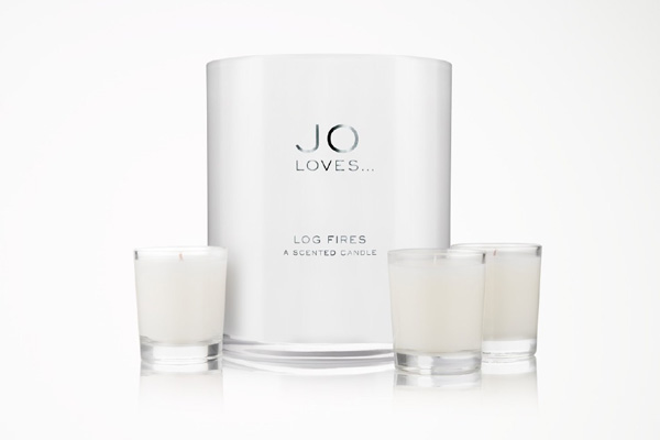 Jo_Loves_log_fires_festive_scented_candle
