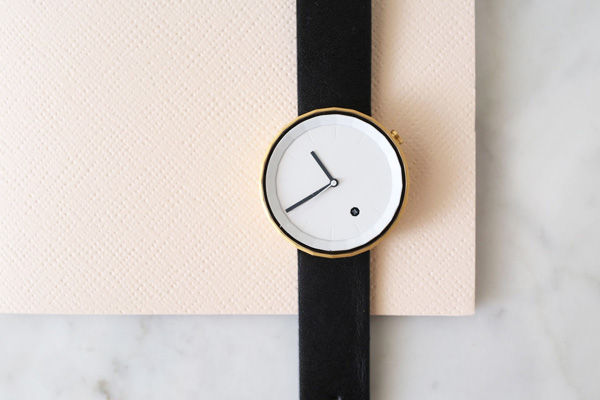 Chi and Chi Polygon watch | Design Hunter