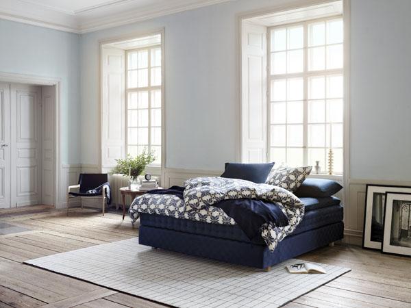 Hastens luxury bed and Herbarium bed linen | Design Hunter