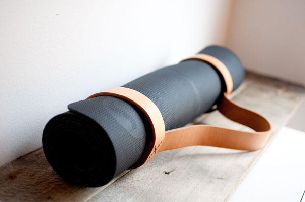 Leather yoga matt sling