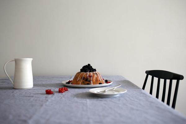 Blackberry bundt cake | Design Hunter