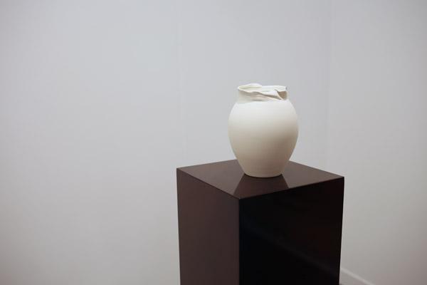 'A Tiffany vase' by Grace Schwindt | Frieze 2015