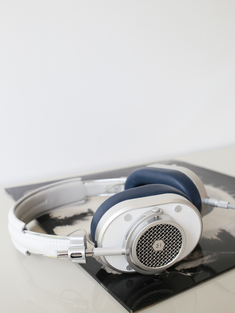 MH40 headphones by Master & Dynamic | Design Hunter