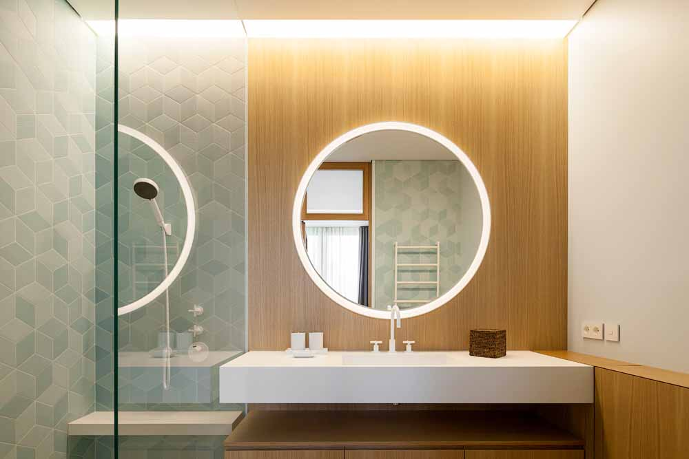 Bathroom in Moscow apartment by FORM Architects