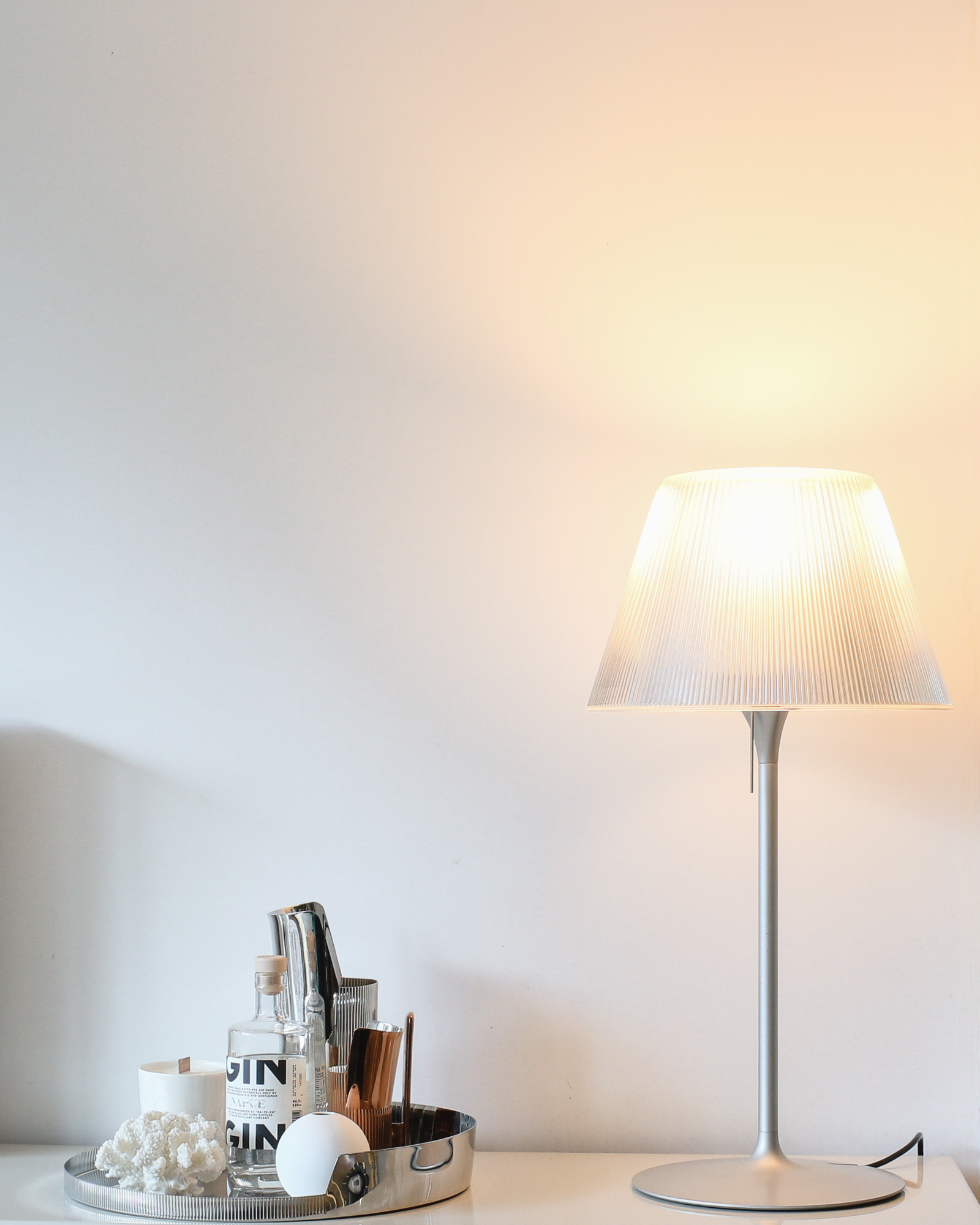 Flos Romeo table lamp with Philips Sceneswitch bulb   Design Hunter