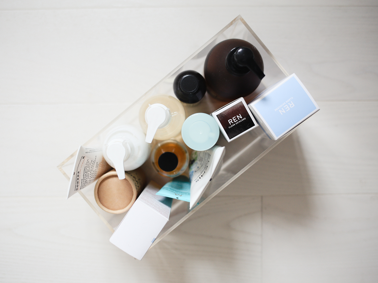 Beauty product storage | Design Hunter
