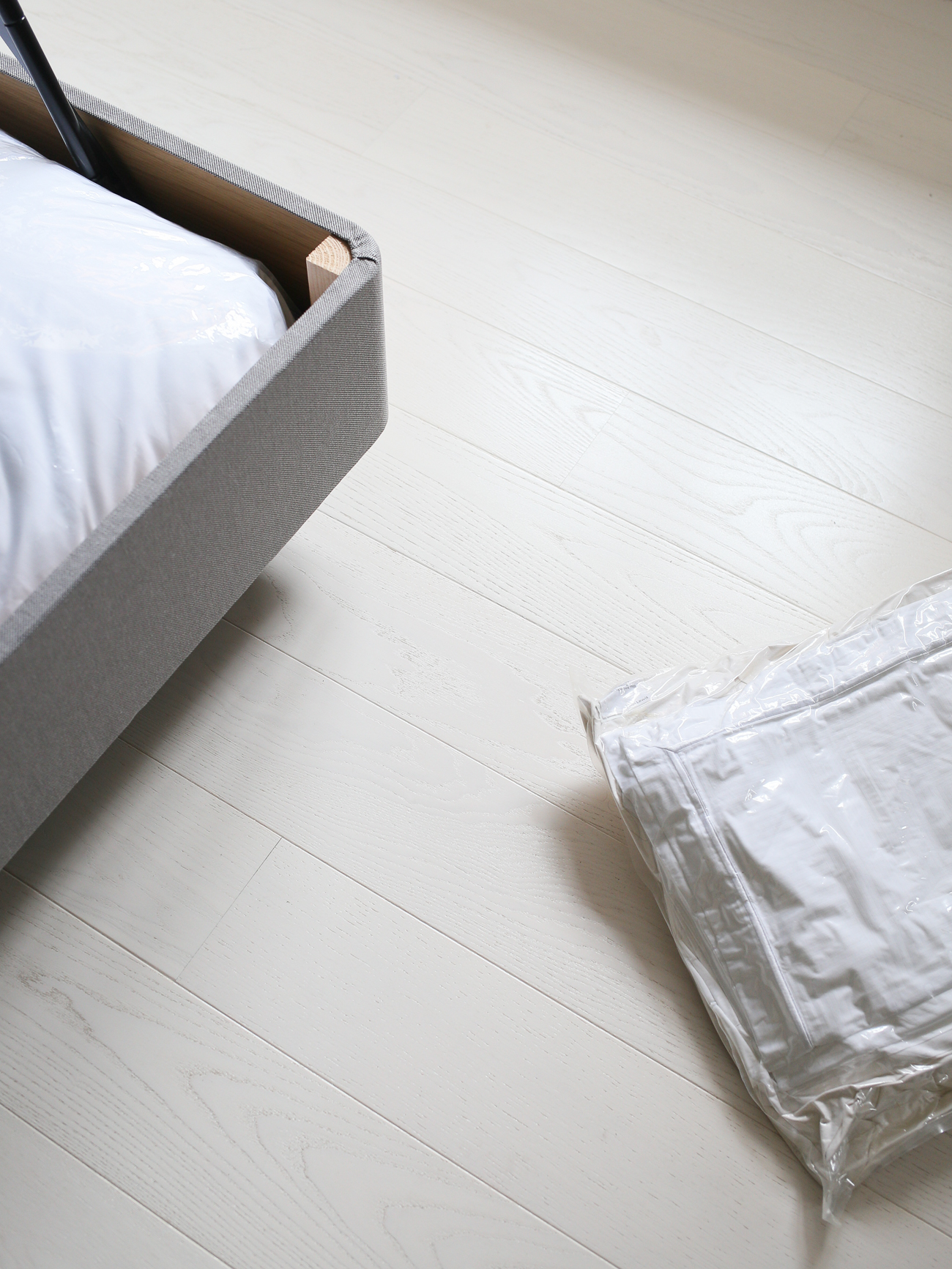 Vacuum packed bed linen in storage bag | Design Hunter