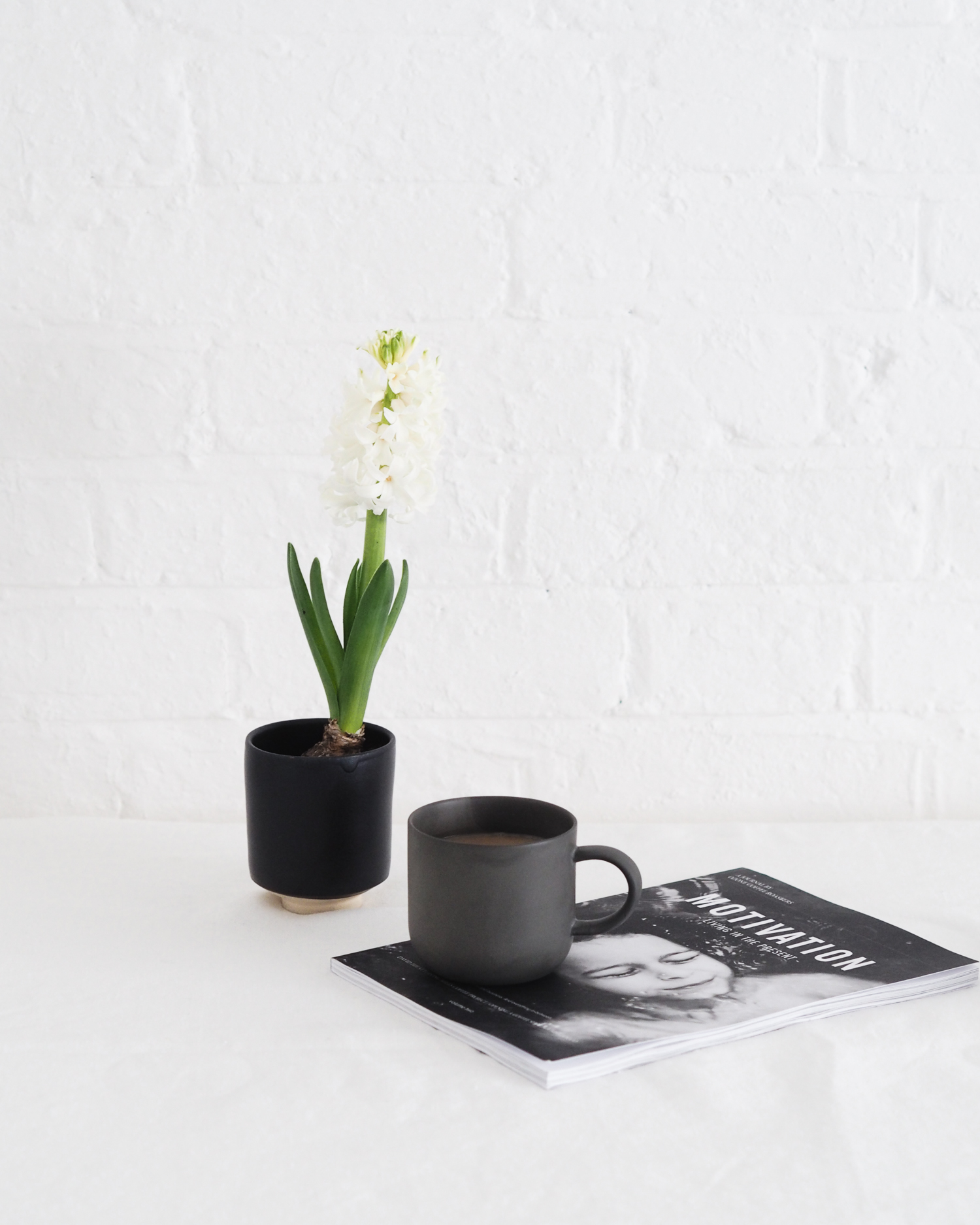 Tea and hyacinth | Design Hunter