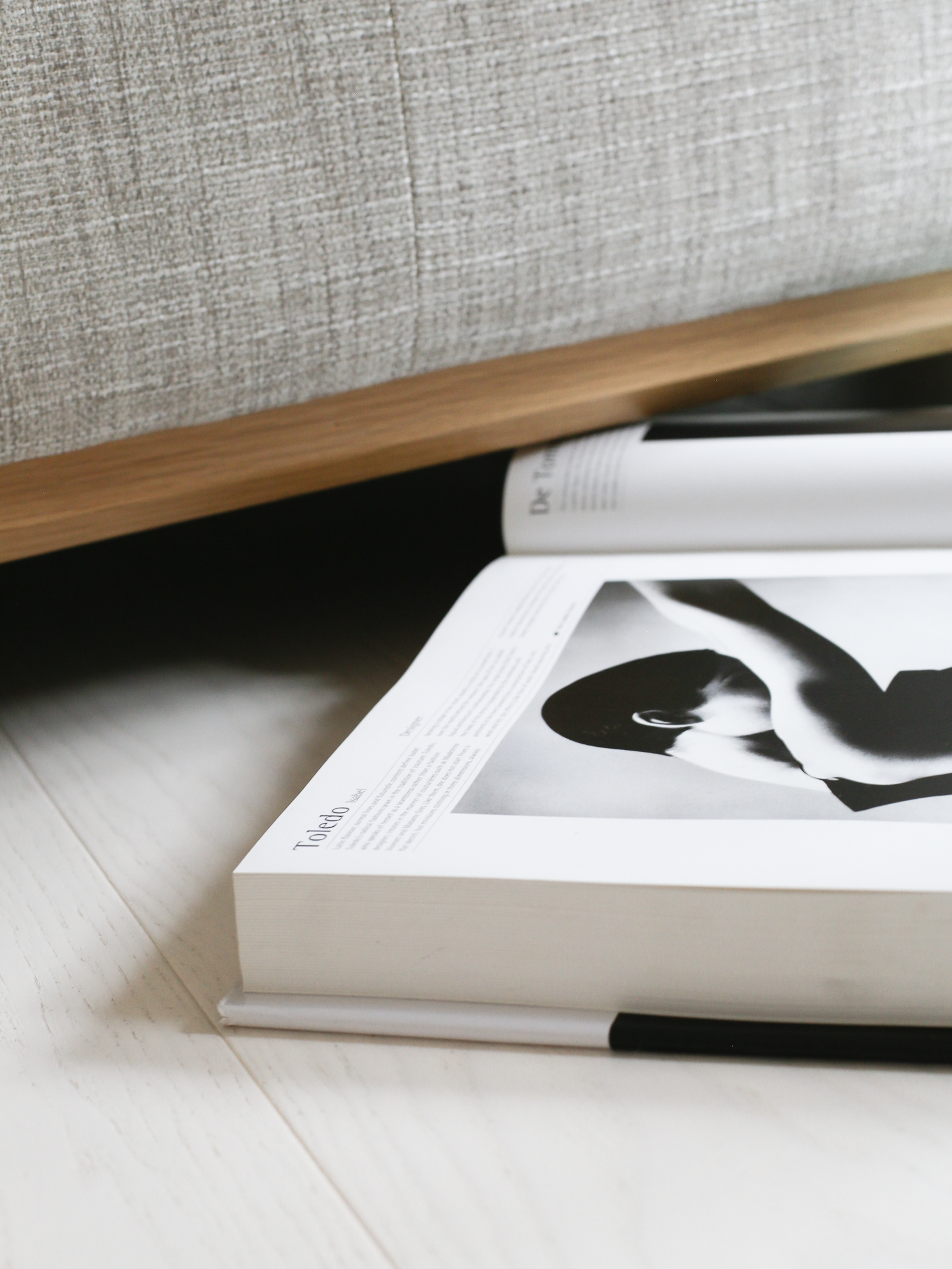 ercol sofa detail | Design Hunter