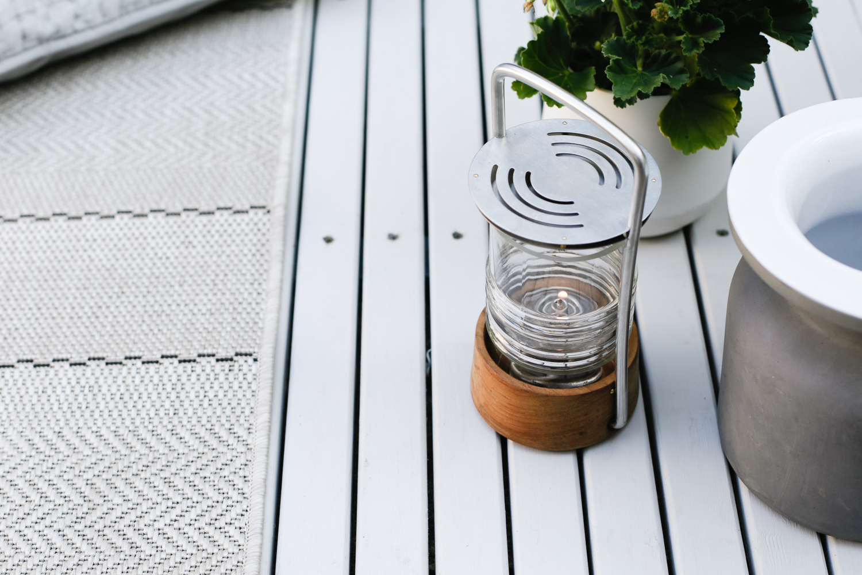 Summer outdoor living - garden lamp | Design Hunter